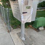 Esta caja de buzón de correo fue encontrada por un vecino de la calle Nixon donde una página del periódico La Voz fue pegado                    del reporte de los problemas de la calle            Nixon para que todo el público lo pudiera leer como muchos de los periódicos fueron               tirados o robados.